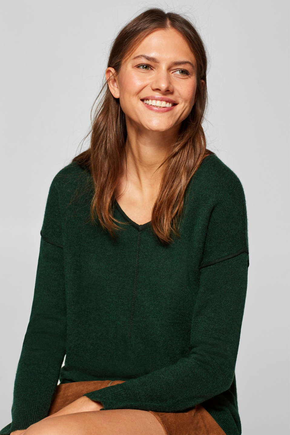 Esprit - With wool: jumper with a braided central seam