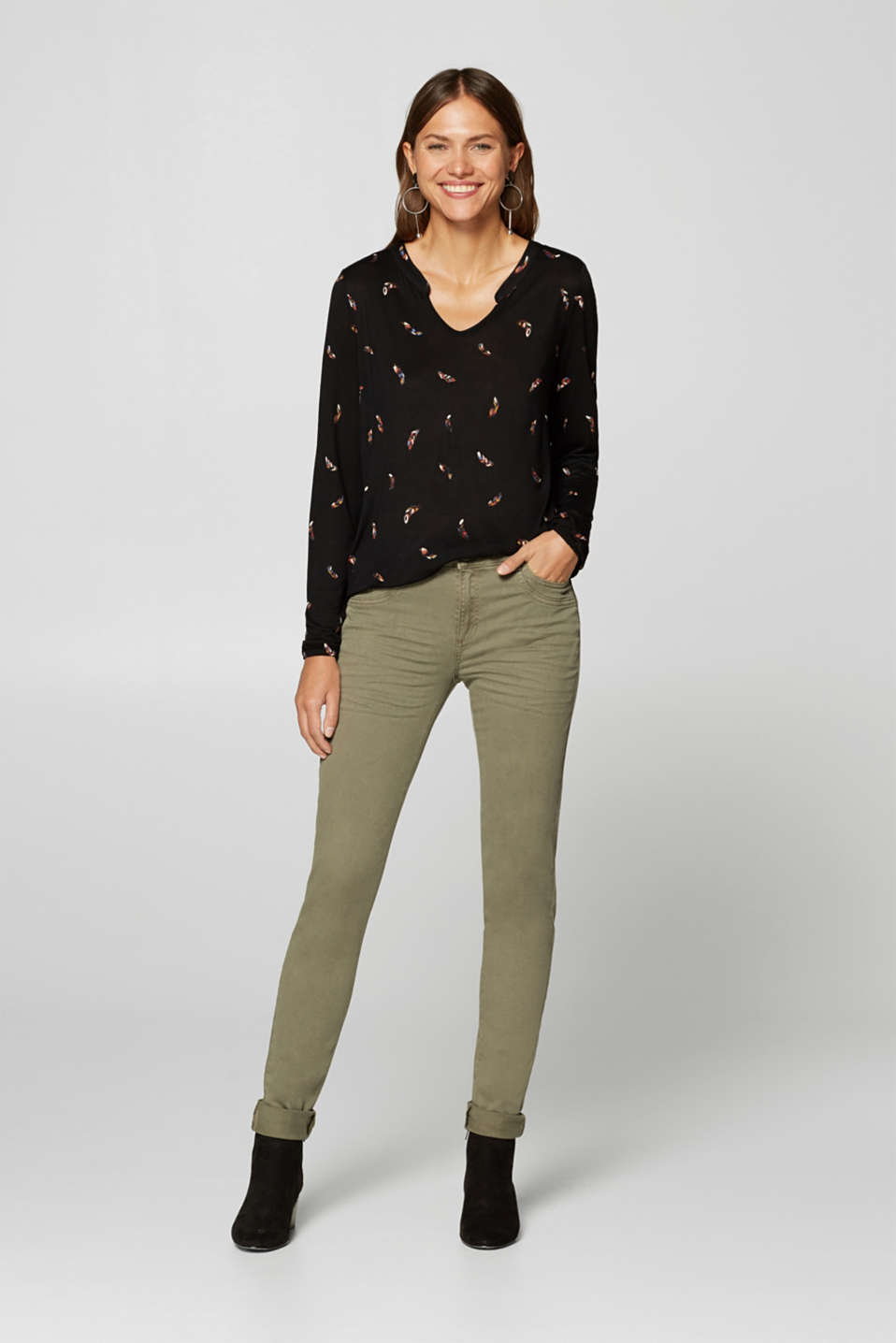 Esprit - Long-sleeve Henley top with elasticated edges