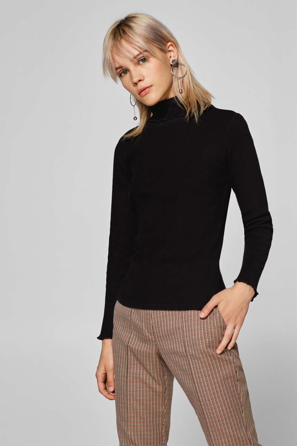 Esprit - Ribbed long sleeve top with wavy hems