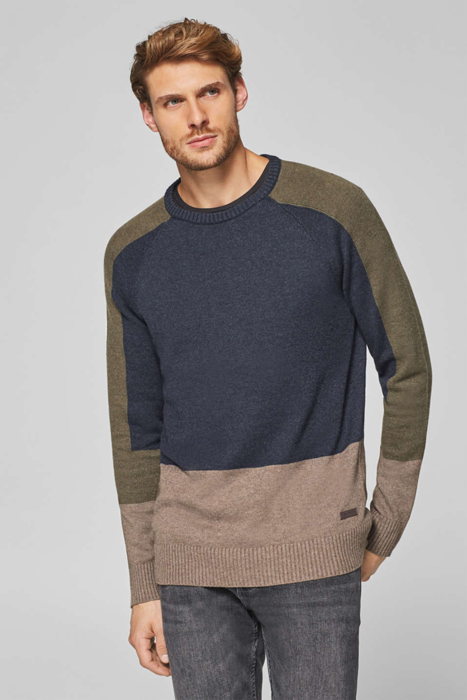 Esprit - Wool blend: jumper with colour block elements