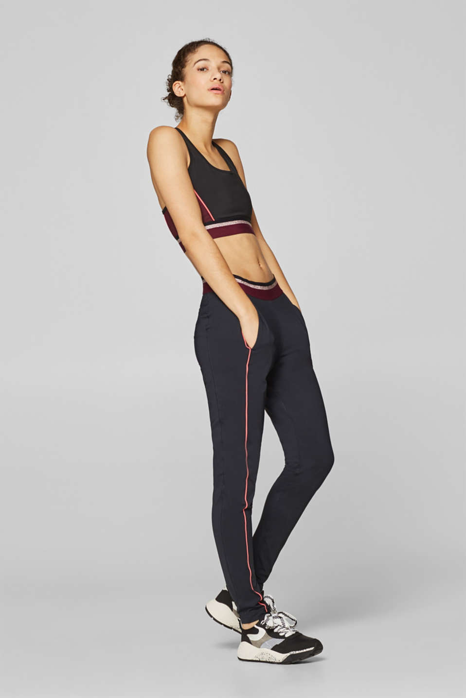 Esprit - Active trousers with a glitter waistband
