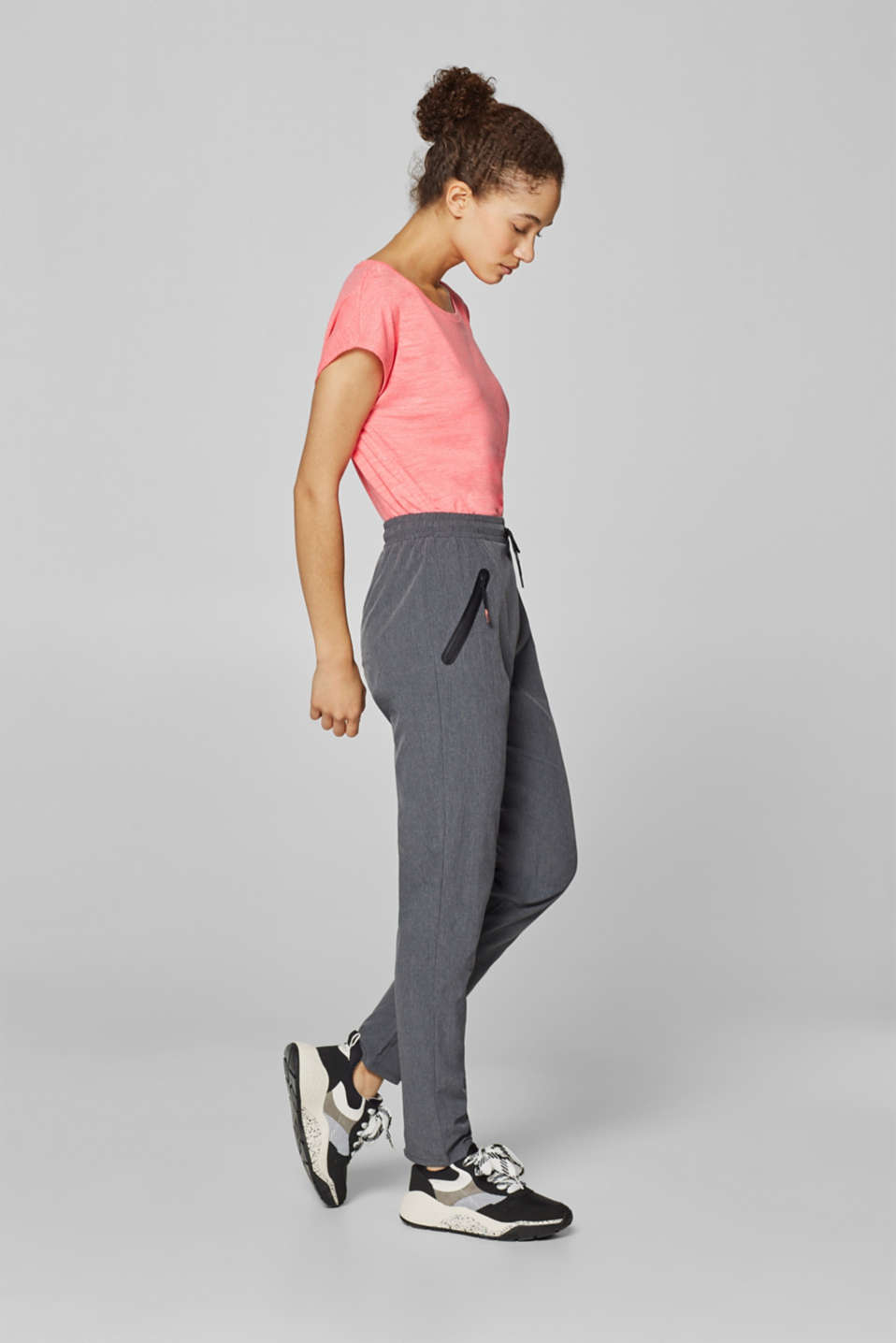Esprit - Woven trousers with flat zip pockets, E-DRY