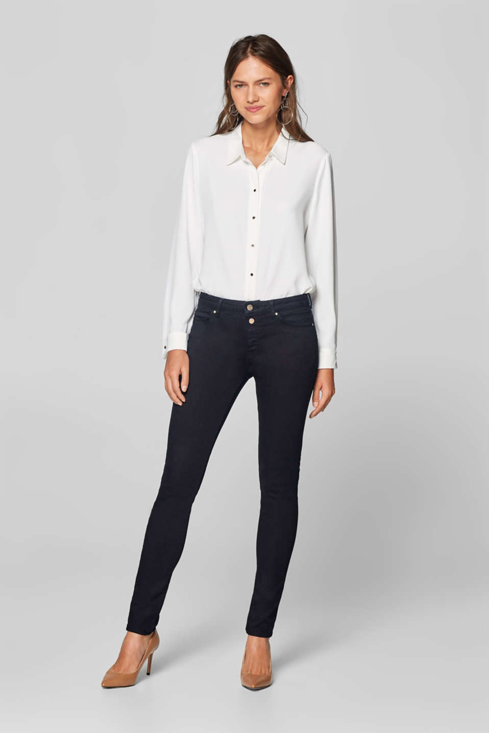 Esprit - Shaping jeans with partially concealed button placket