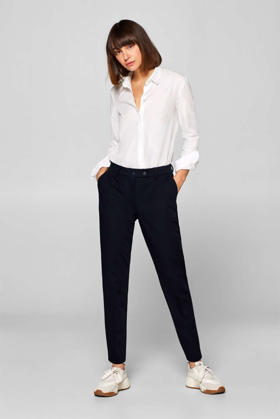 Esprit - Trousers made of premium stretch fabric