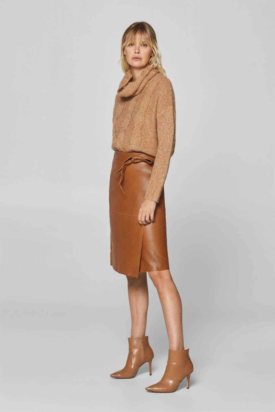 Esprit - Midi skirt with a tie-around belt, 100% leather