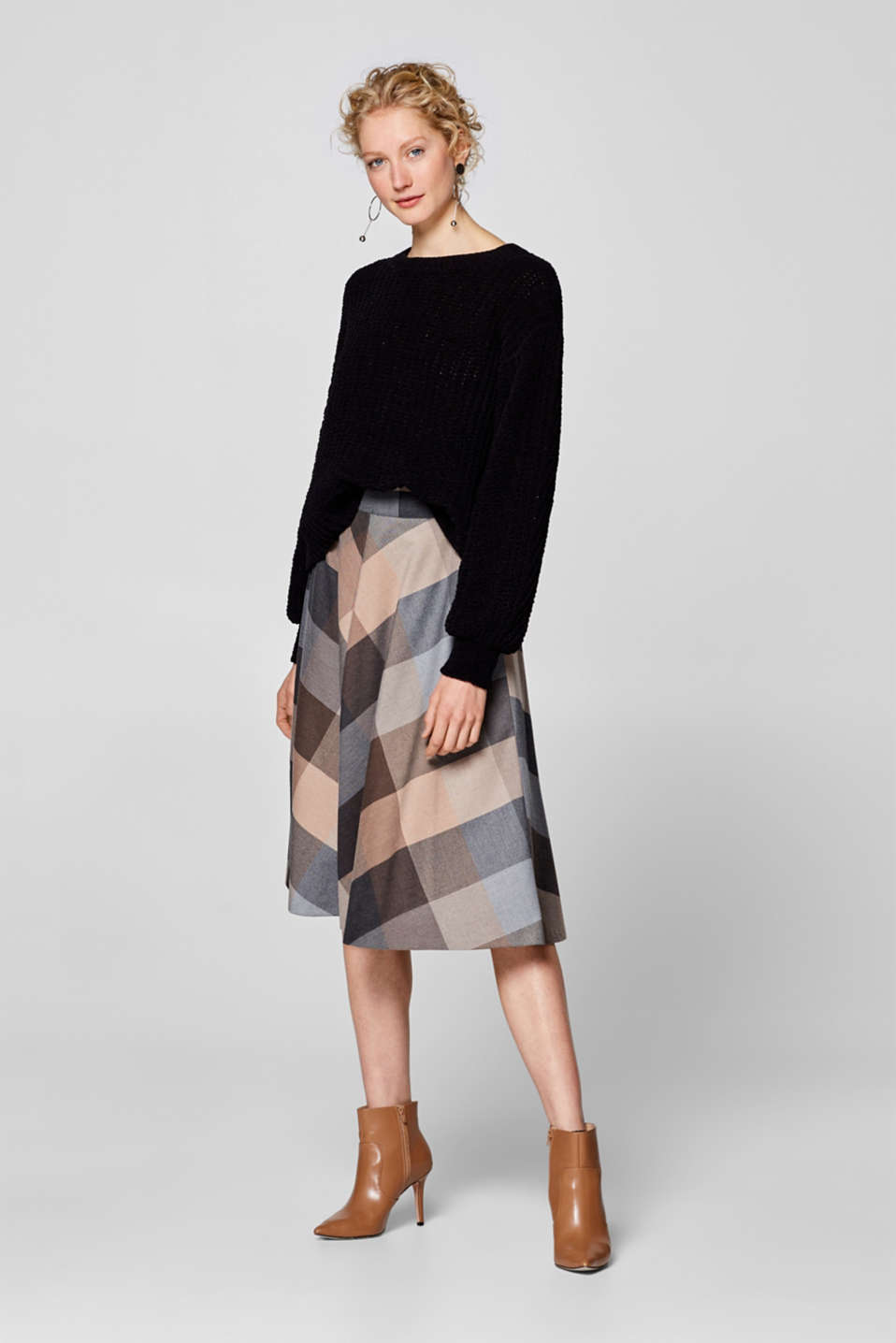 Esprit - Flared midi skirt with a thin belt