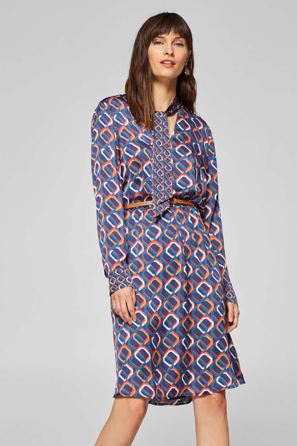 Esprit - Satin dress with a chain print and belt