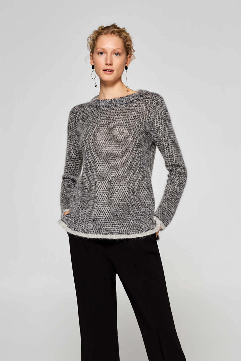Esprit - Jumper with an airy texture containing mohair