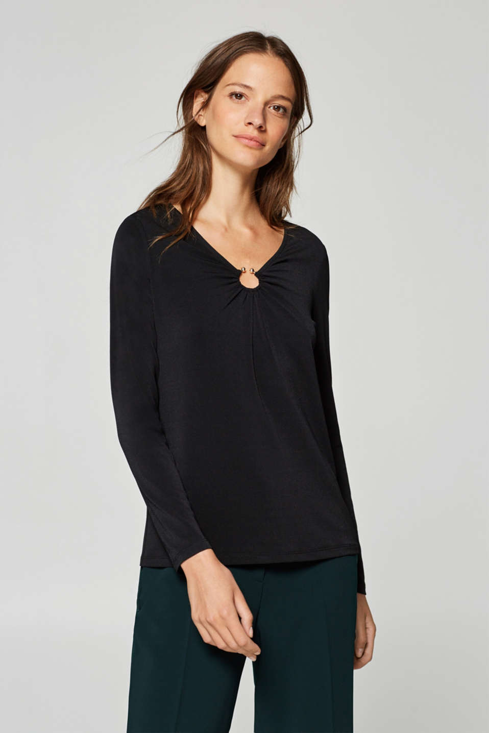 Esprit - Crêpe jersey top with a decorative ring