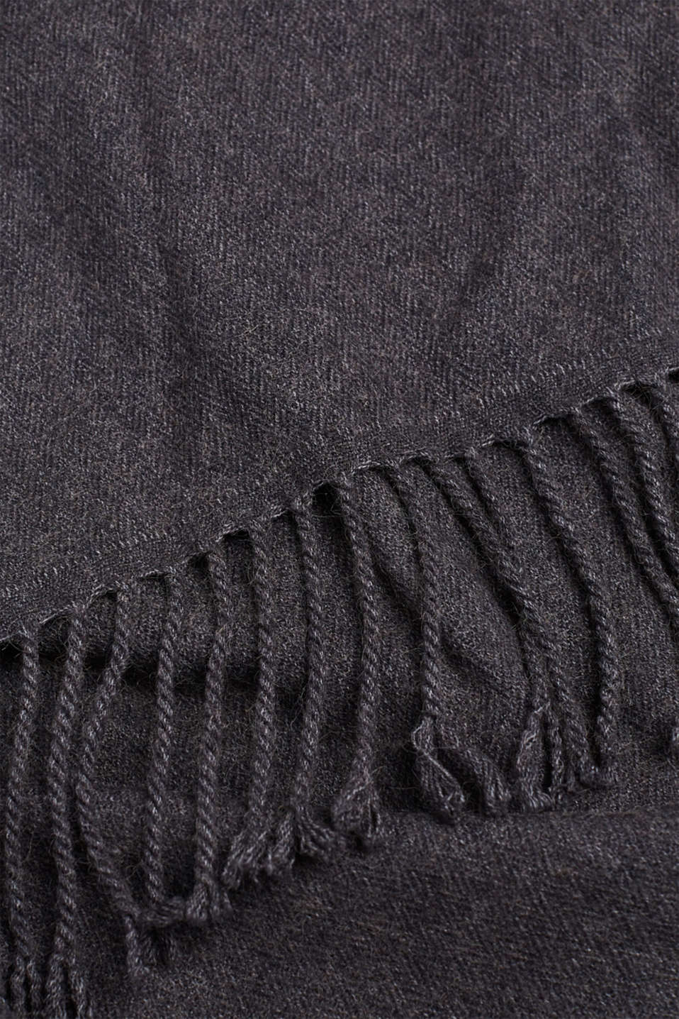 Scarf with fringing, ANTHRACITE, detail image number 2