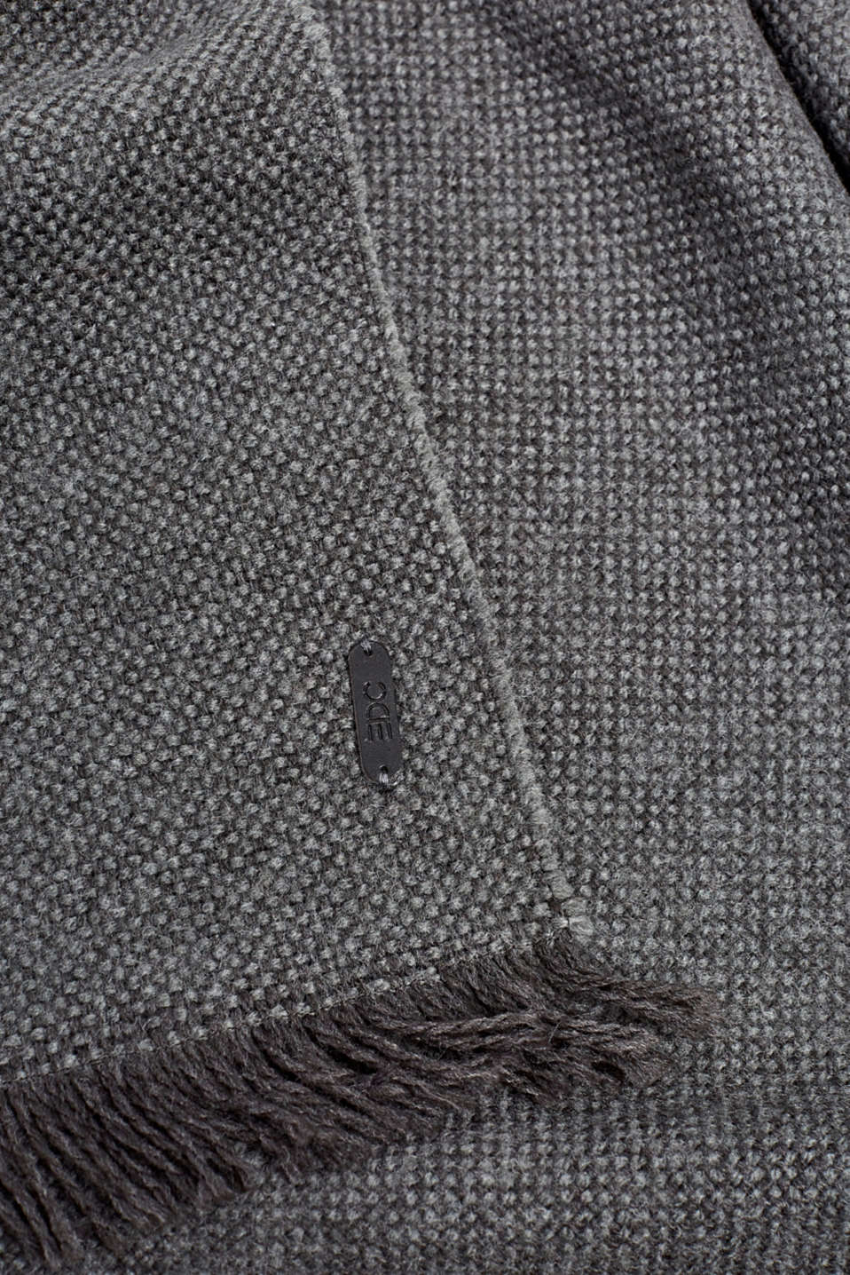 Scarf made of a chunkier woven fabric, GREY, detail image number 2