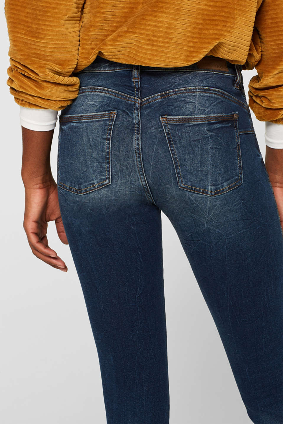 With TENCEL™: Shaping jeans with two-way stretch, BLUE DARK WASH, detail image number 2