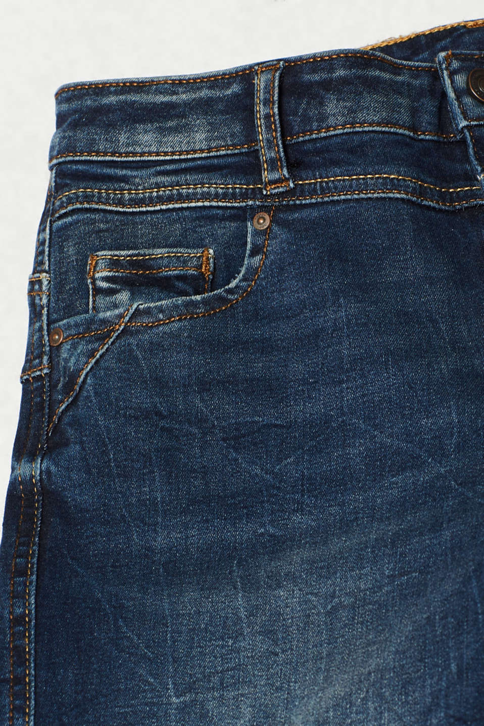 With TENCEL™: Shaping jeans with two-way stretch, BLUE DARK WASH, detail image number 4