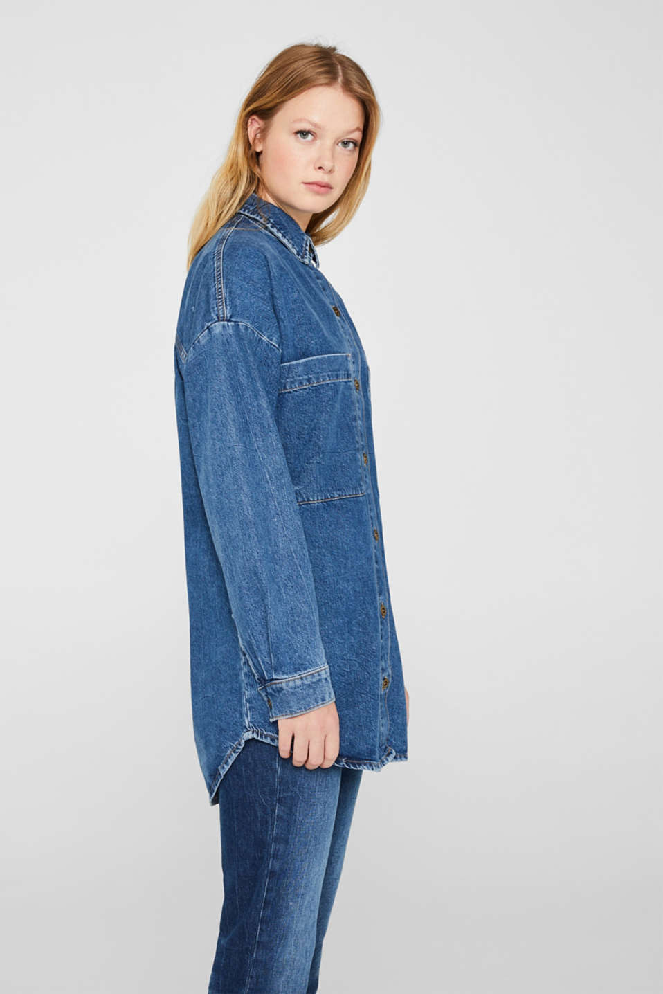 Oversized denim shirt made of pure cotton, BLUE MEDIUM WASH, detail image number 5