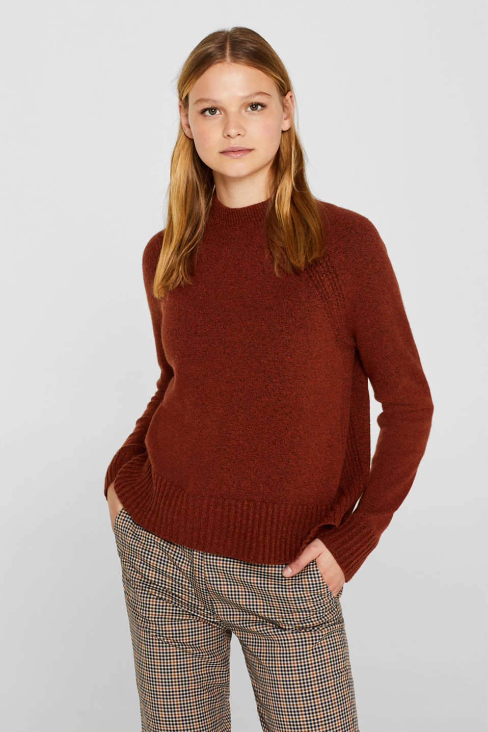 Wool blend: jumper with textured stripes