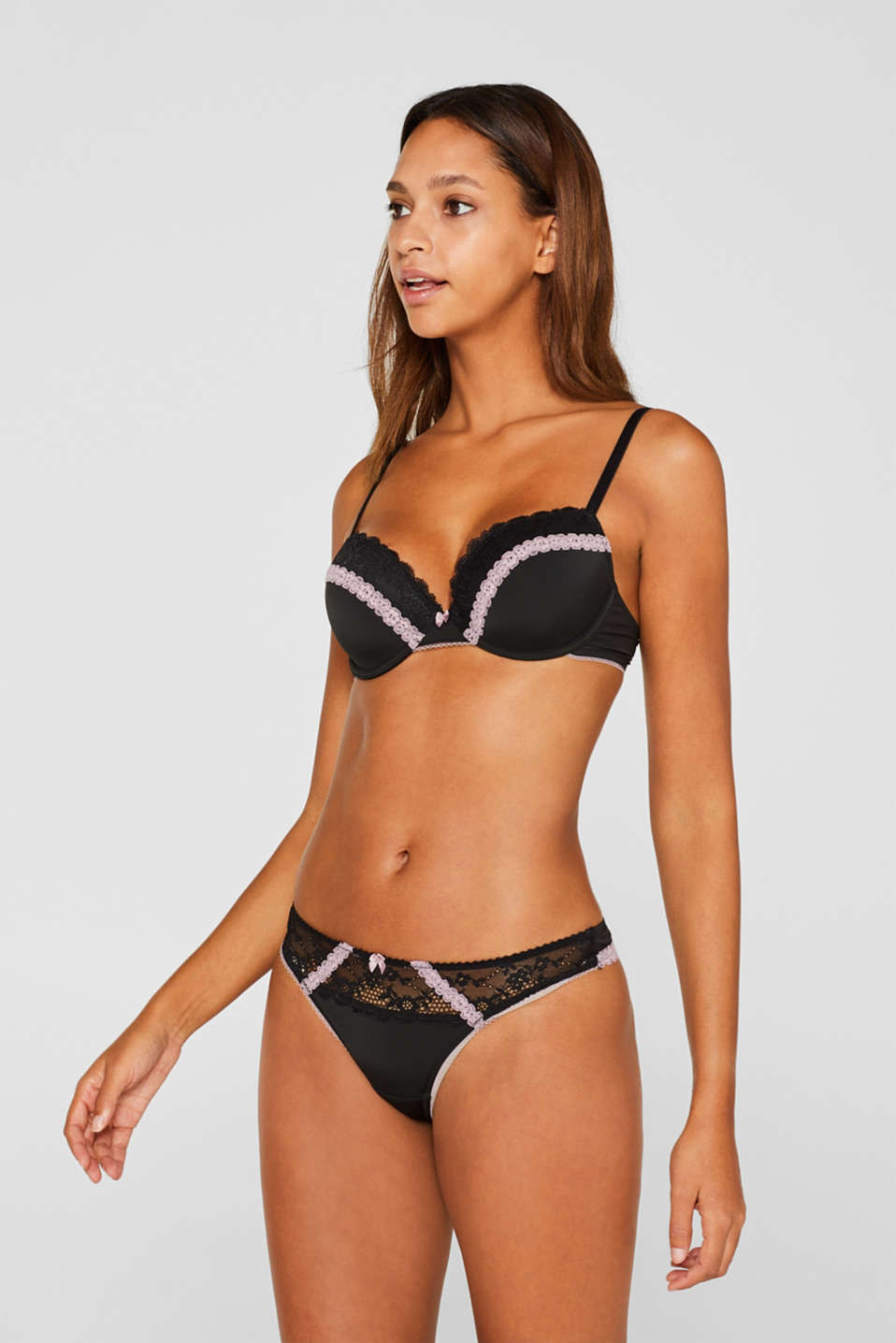 Padded underwire bra with lace and contrasts, BLACK, detail image number 0
