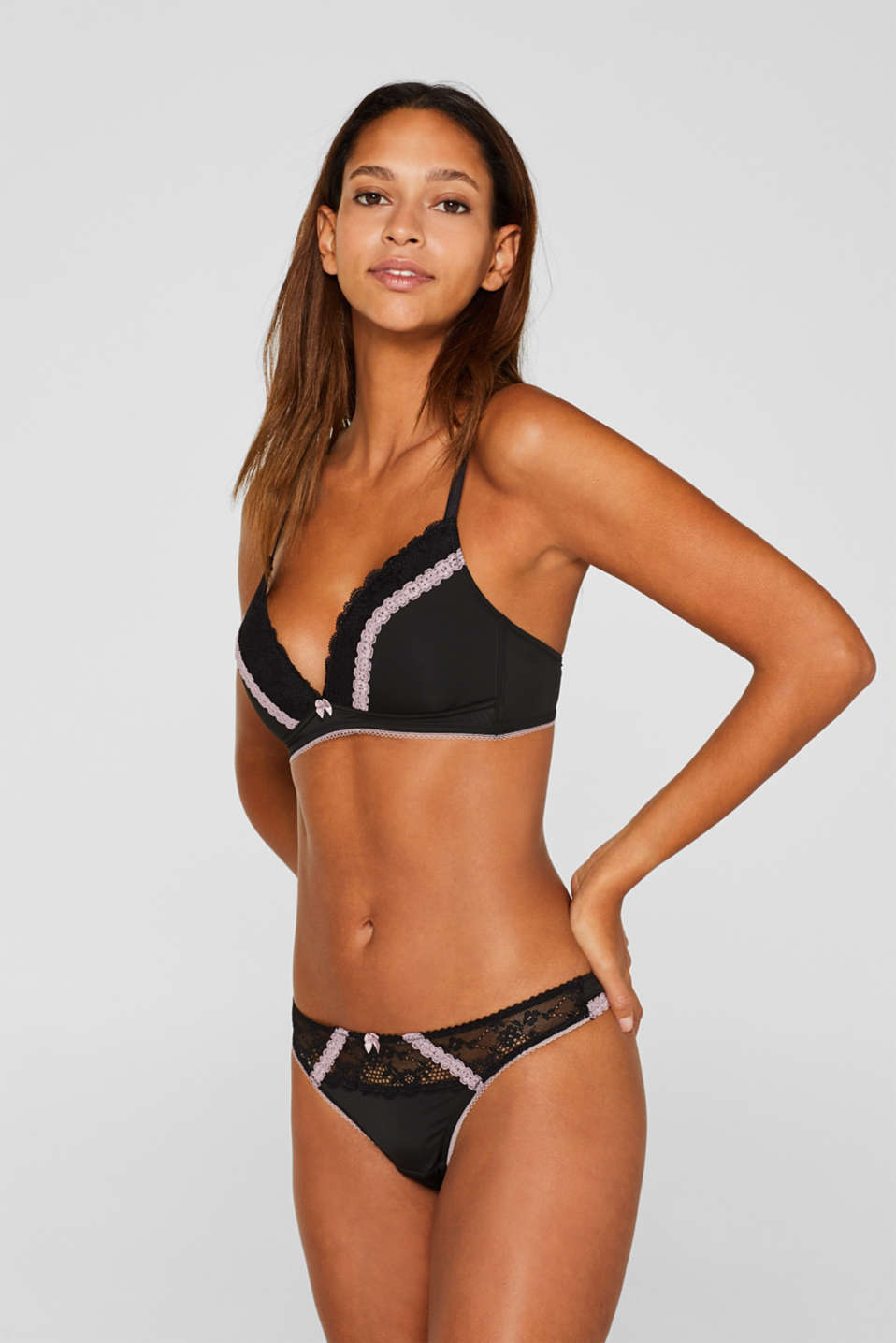 Padded, wireless bra with lace, BLACK, detail image number 0