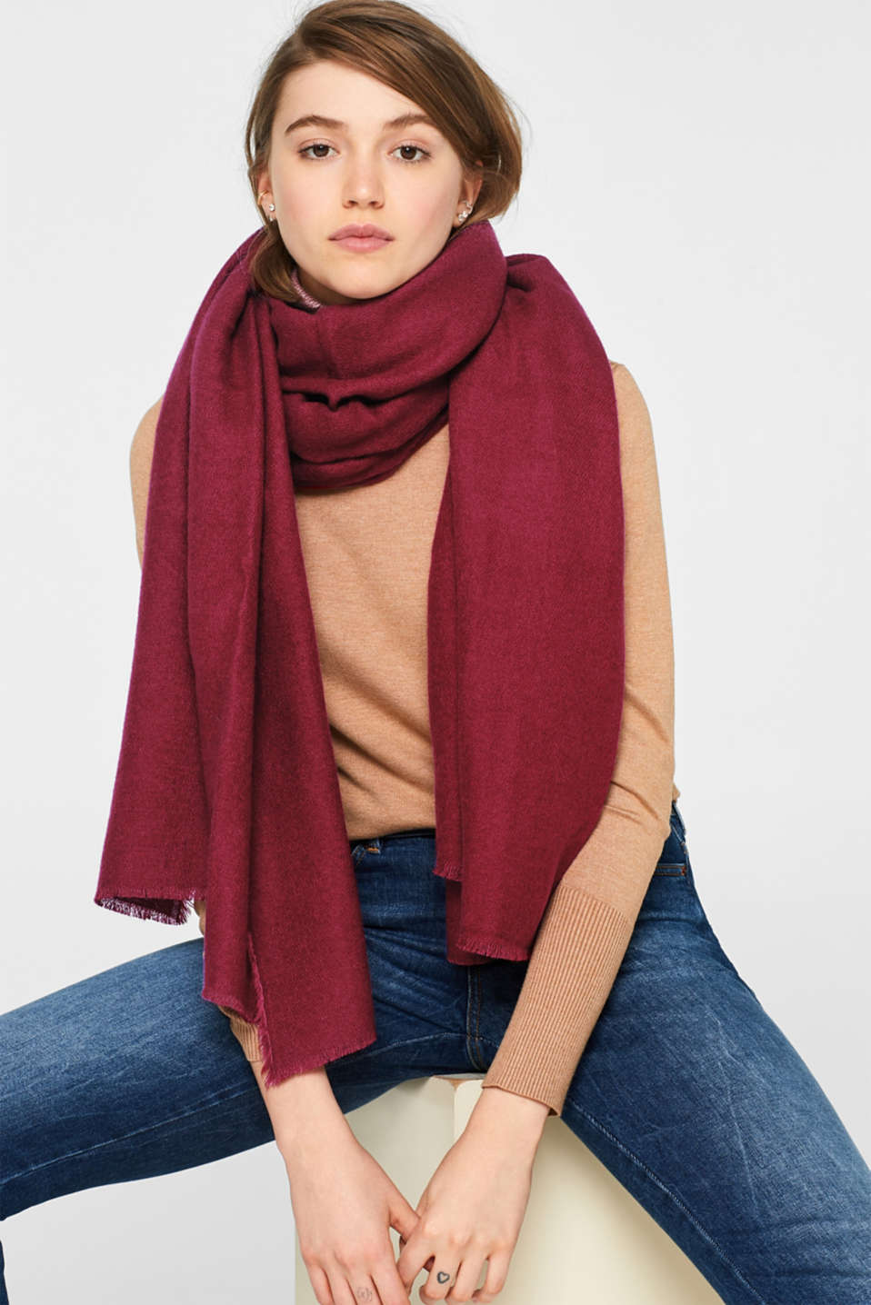Oversized scarf with fringing, DARK RED, detail image number 1