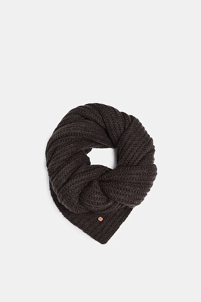 Chunky knit scarf in blended wool