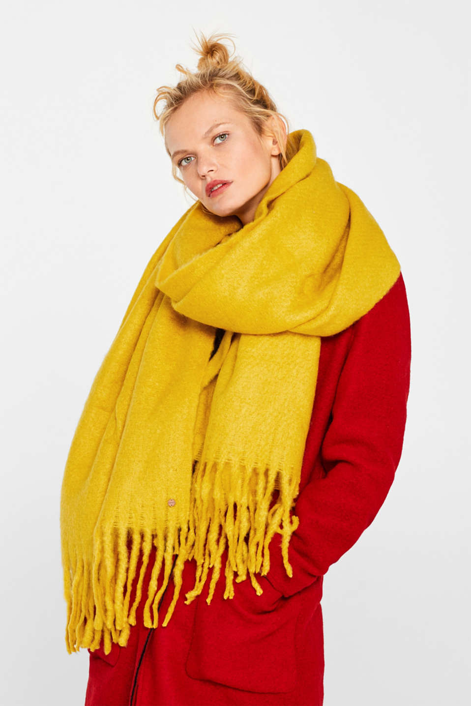 XL scarf with fringing, BRASS YELLOW, detail image number 1