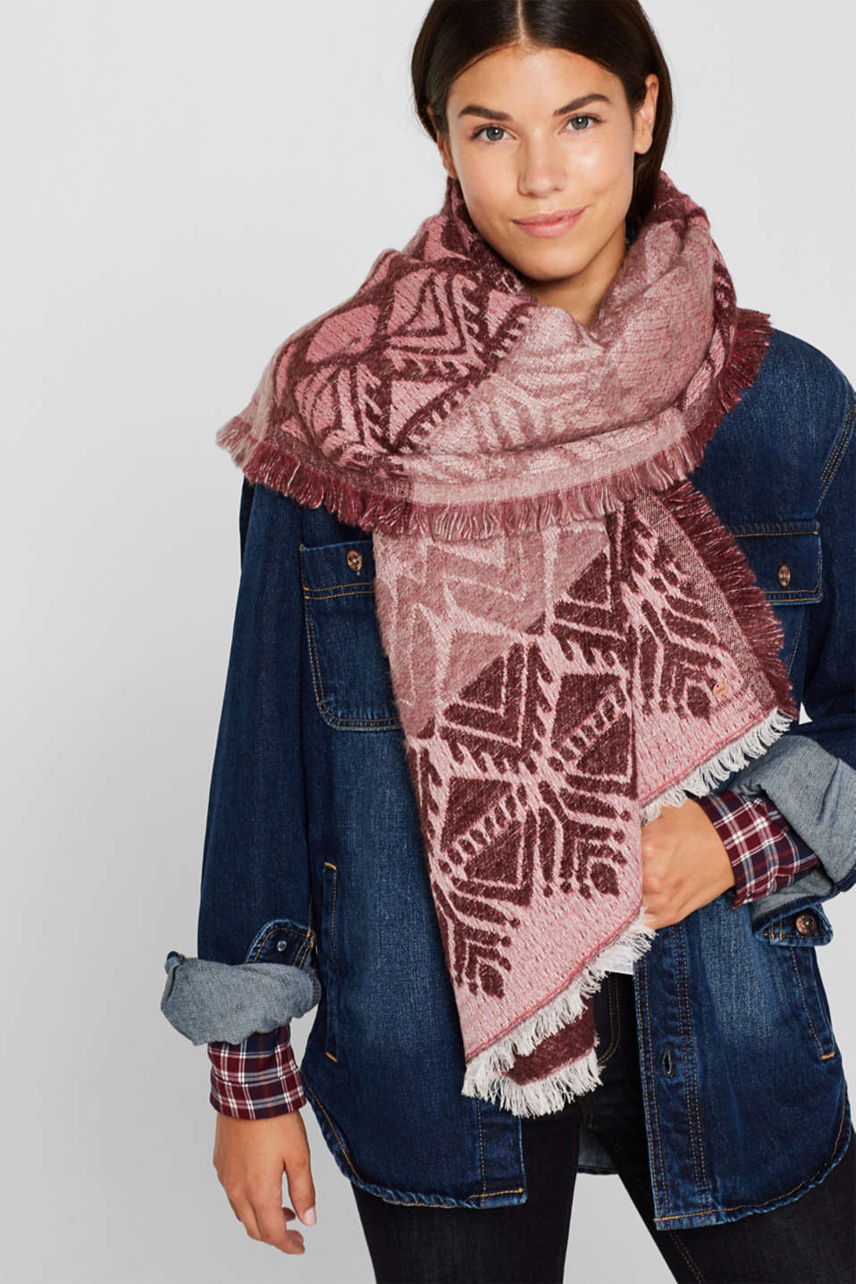 With wool: Scarf with jacquard fabric, DARK RED, detail image number 1