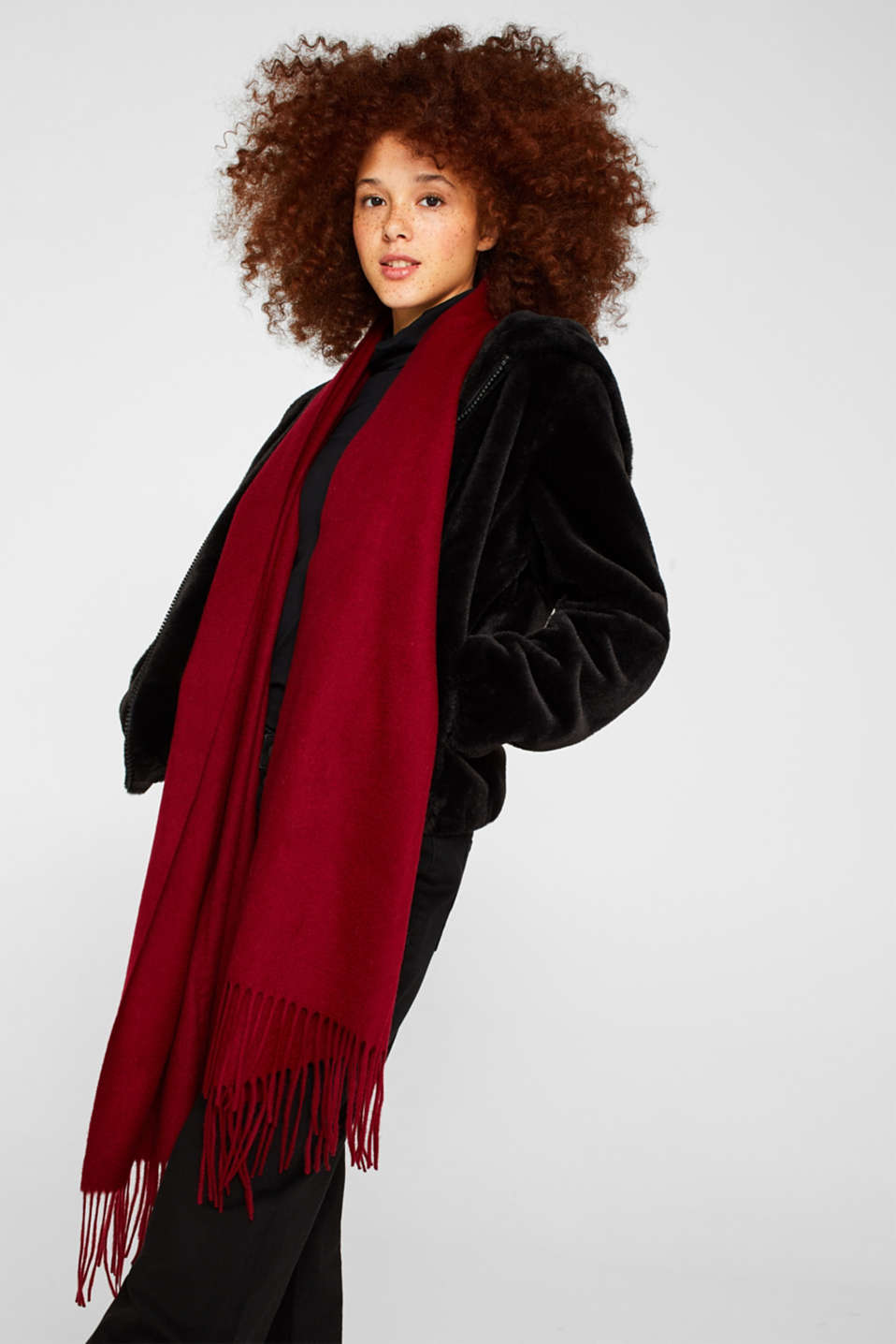 100% wool: scarf with fringing, DARK RED, detail image number 1