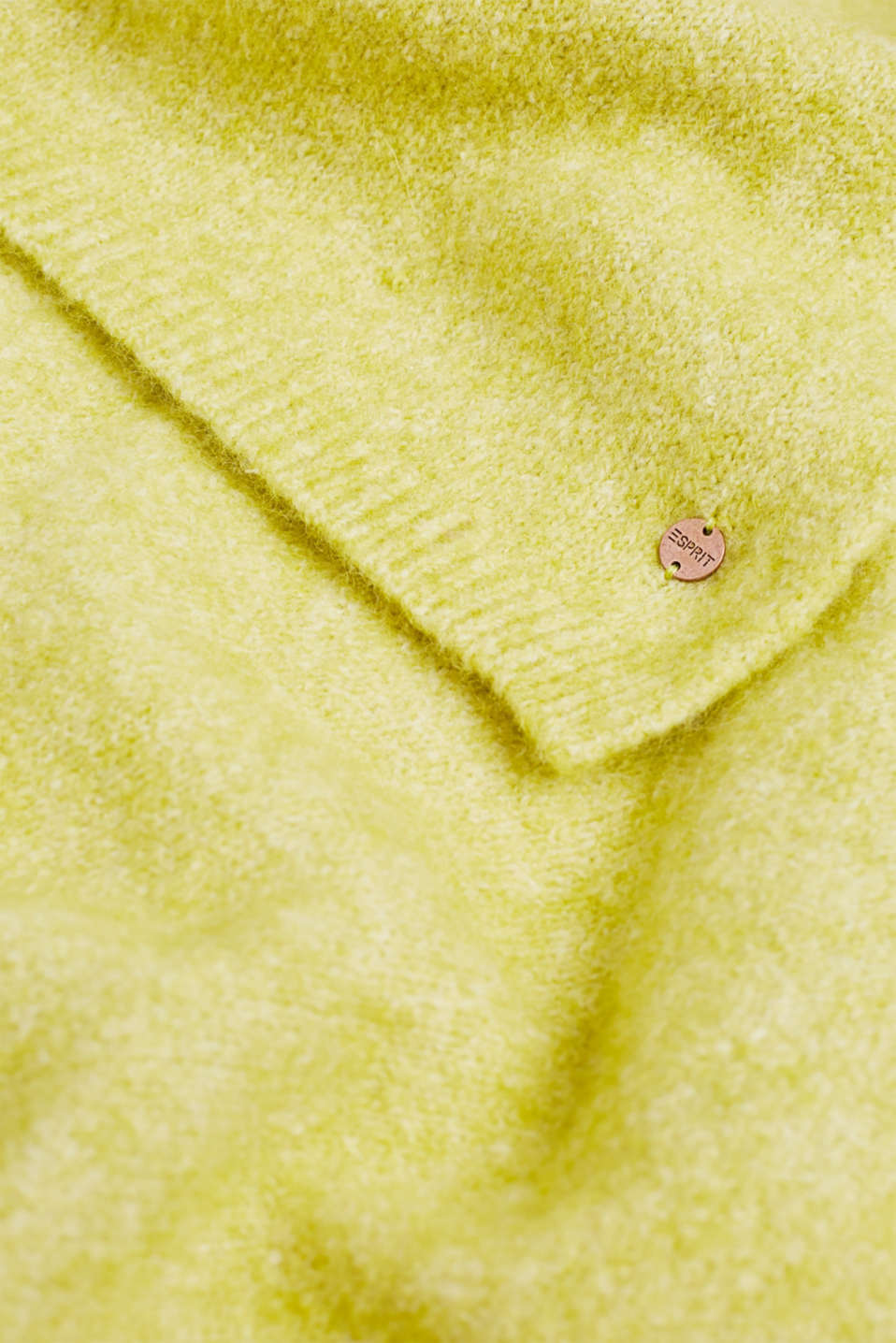 Wool blend: scarf made of Italian yarn, CITRUS GREEN, detail image number 2