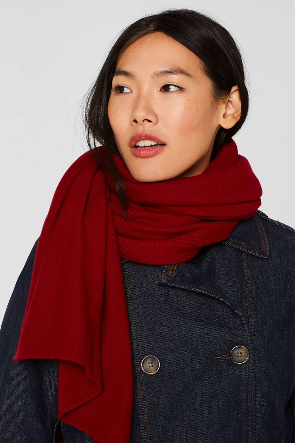 Cashmere/wool blend: fine-knit scarf, RED, detail image number 1