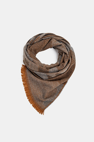 Woven scarf with a camouflage texture