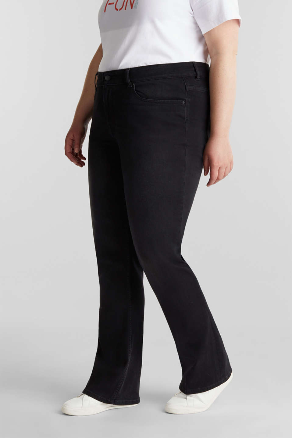 CURVY stretch jeans in a dark wash, BLACK DARK WASH, detail image number 0