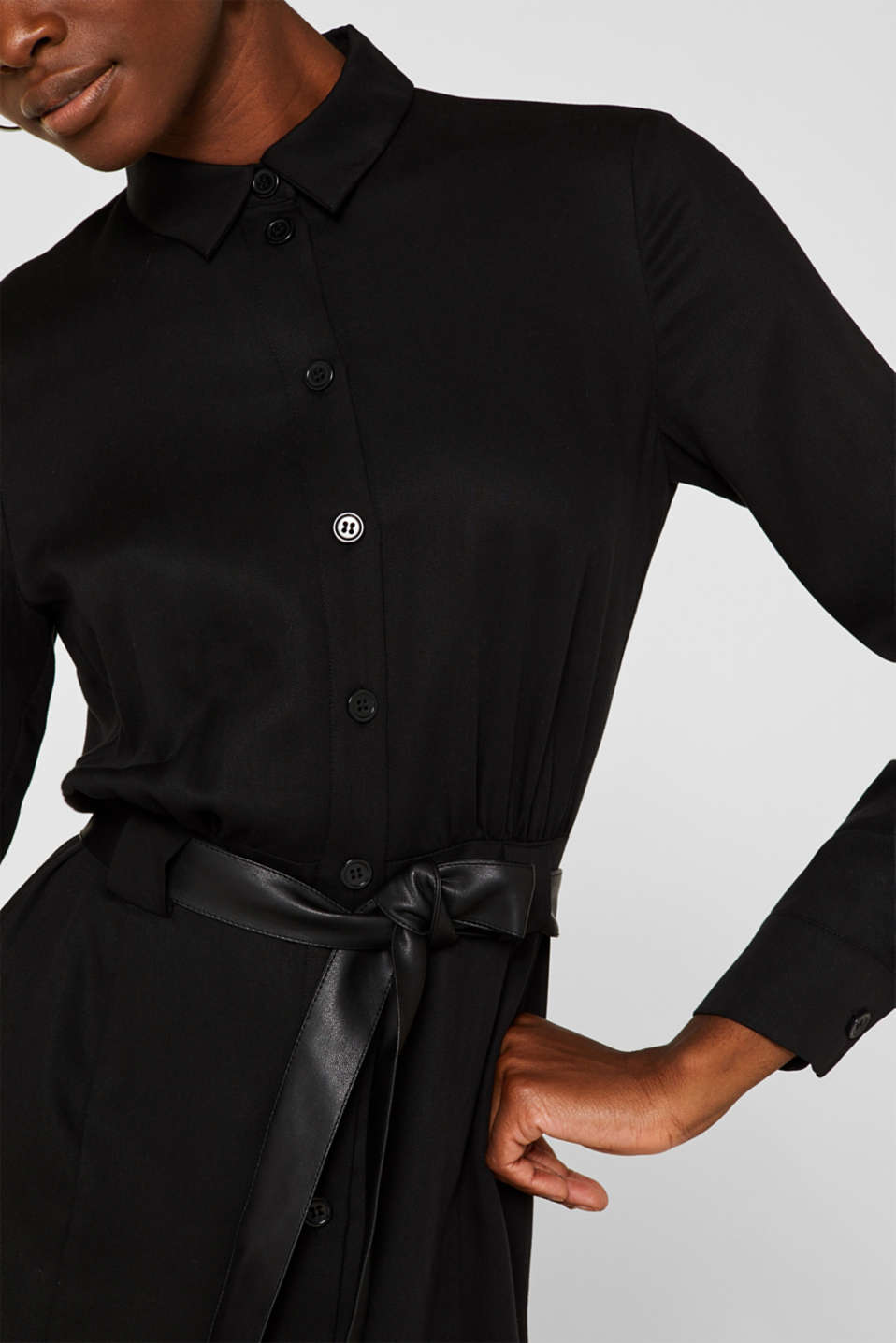Made of TENCEL™: Shirt blouse dress with a belt, BLACK, detail image number 3