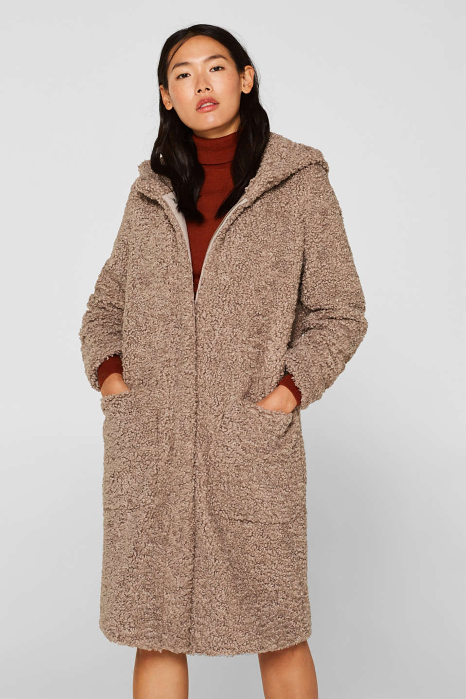 Esprit - Coat made of curled faux fur