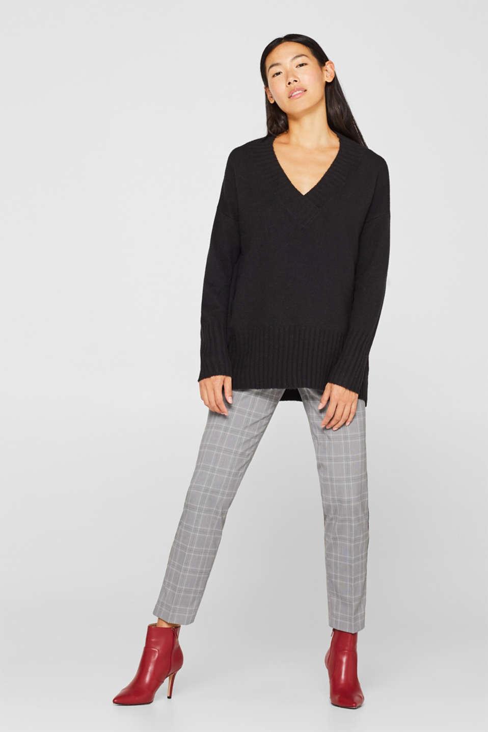 Wool/alpaca blend: V-neck jumper, BLACK, detail image number 1