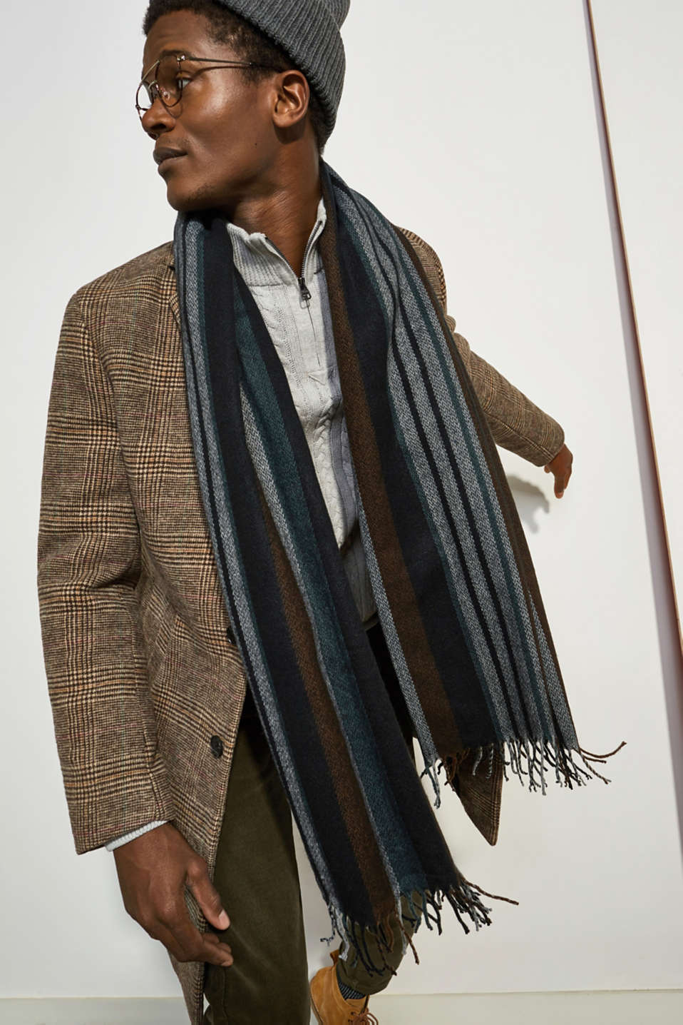 Wool blend: coat with a Prince of Wales check design, CAMEL, detail image number 4