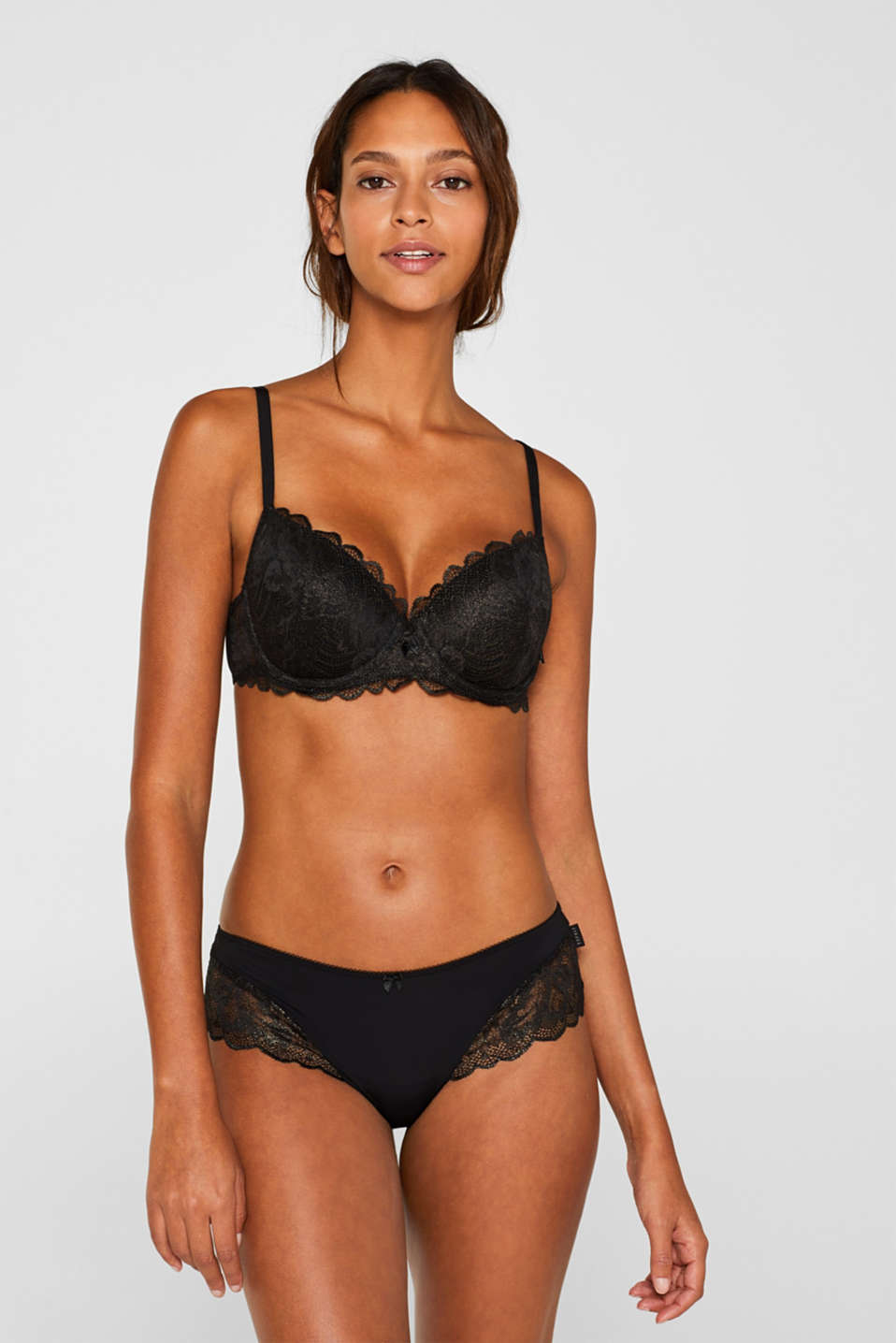 Padded underwire bra made of formal lace, BLACK, detail image number 0