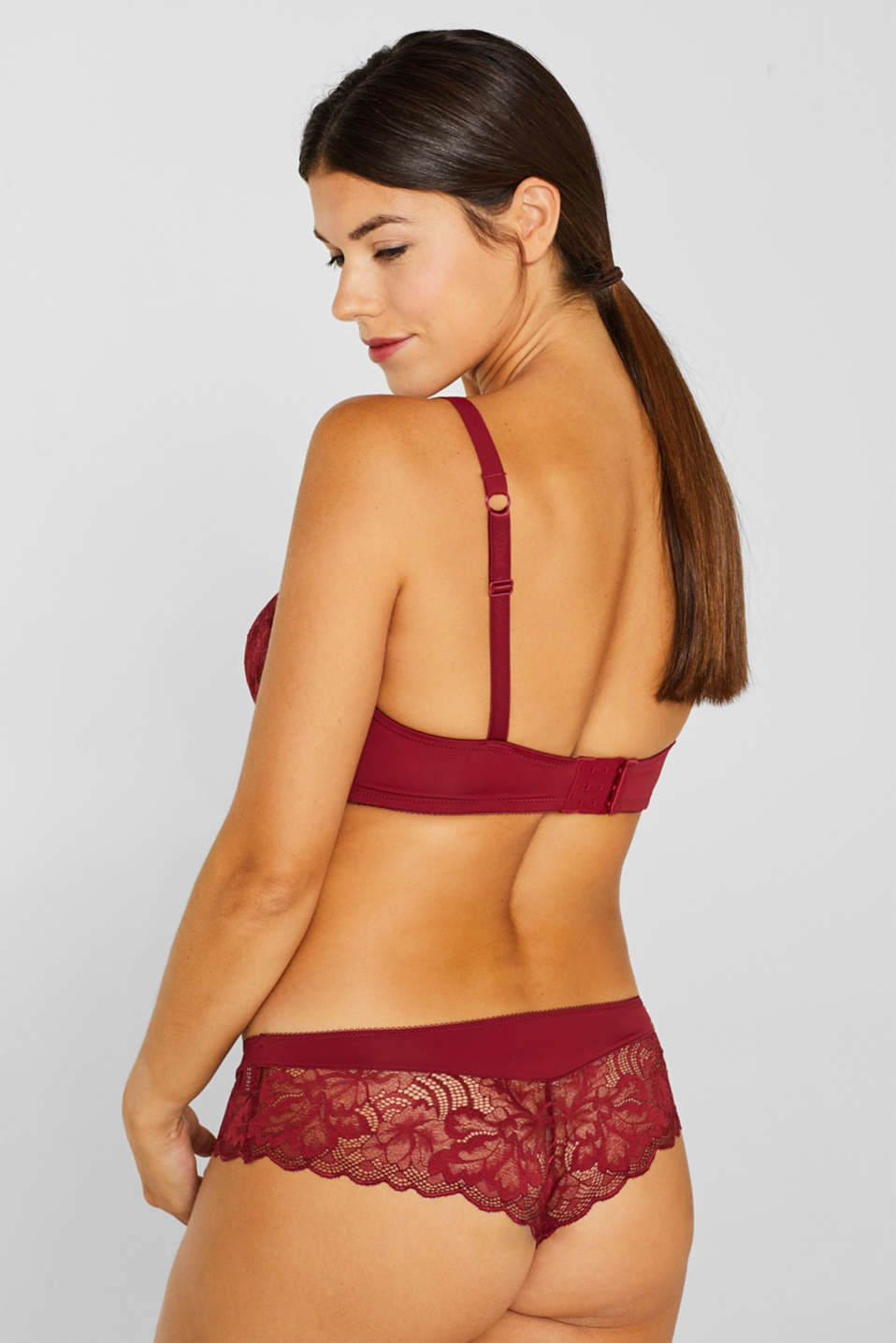 Padded, non-wired lace bra for large cup sizes, DARK RED, detail image number 1