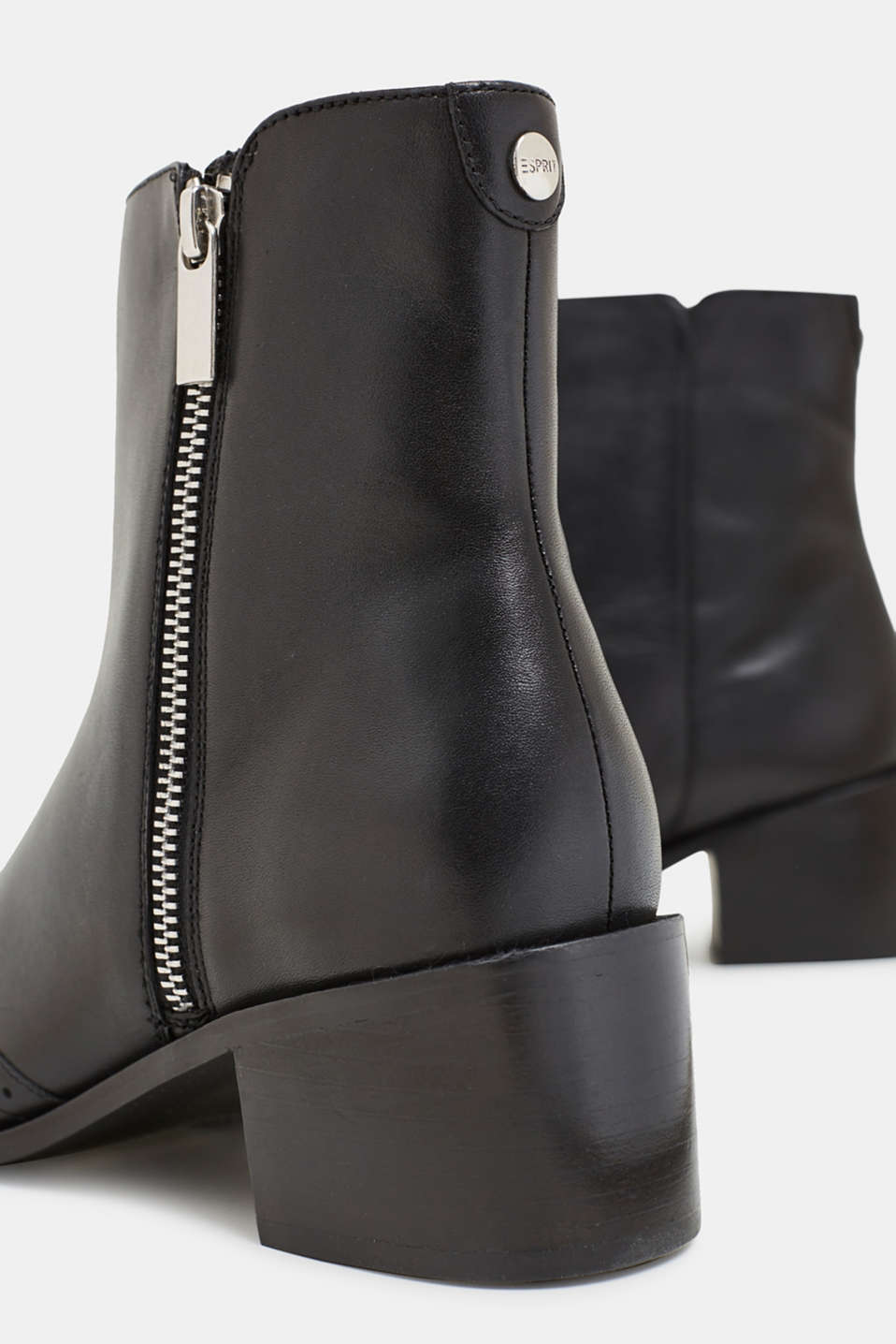 Boots with a brogue pattern, made of leather, BLACK, detail image number 3