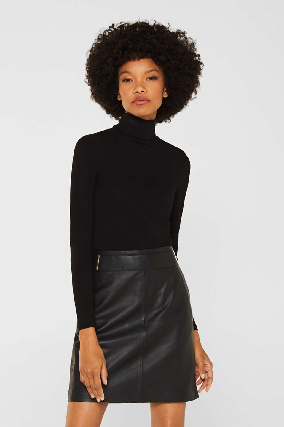 Esprit - Made of leather: skirt with metal elements