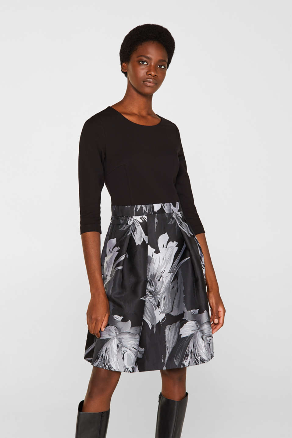 Esprit - Stretch jersey dress with a jacquard skirt