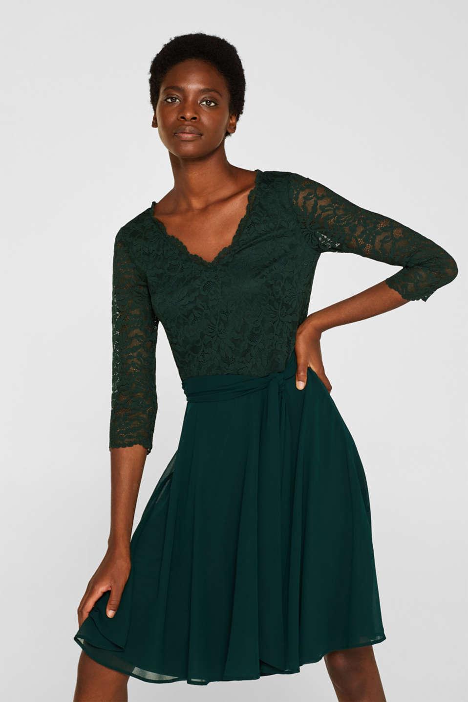 Dress made of lace and chiffon