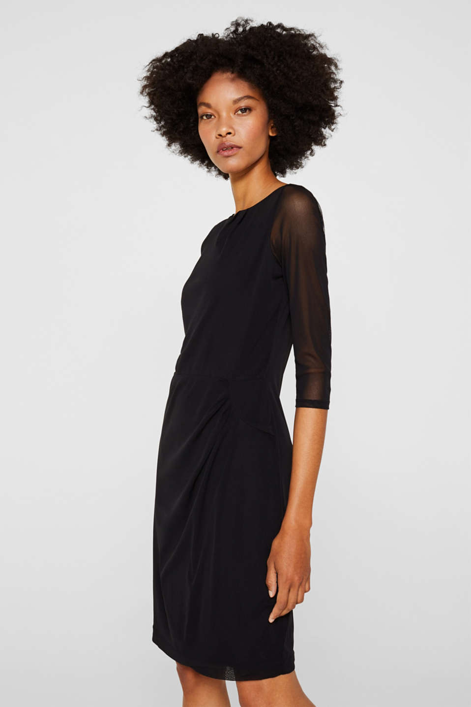 Mesh dress with gathering