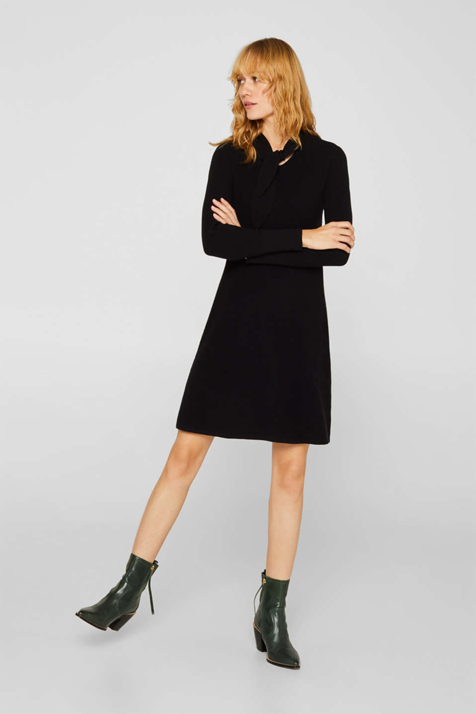 Esprit - With wool: knit dress with a pussycat bow