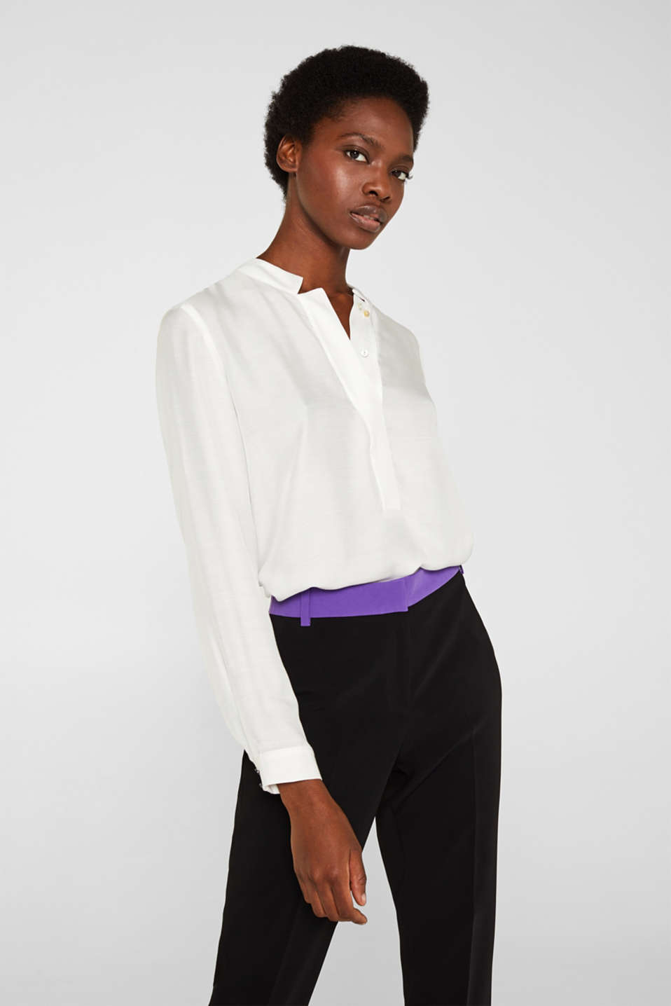 With silk: blouse with a stand-up collar