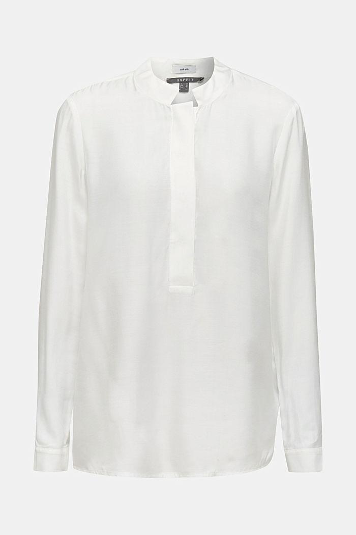 Met zijde: blouse met opstaande kraag