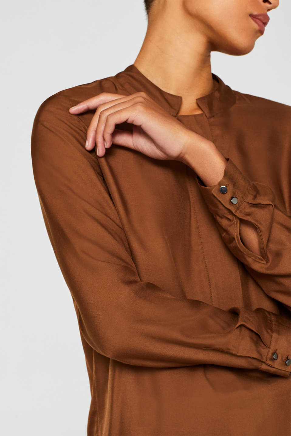 With silk: blouse with a stand-up collar, TOFFEE 5, detail image number 2