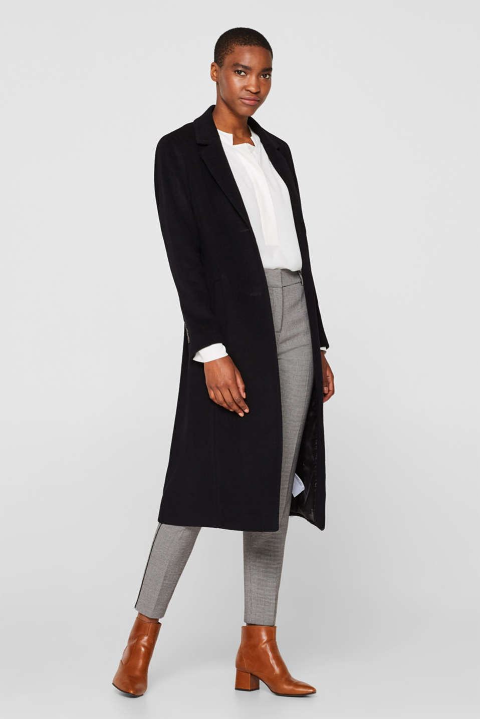 Made of blended wool with cashmere: coat with tie-around belt, BLACK, detail image number 1