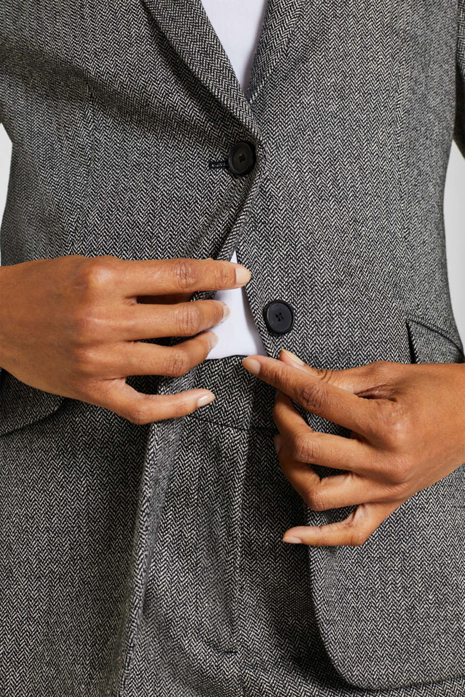 Wool blend: stretch blazer with a herringbone pattern, BLACK, detail image number 2