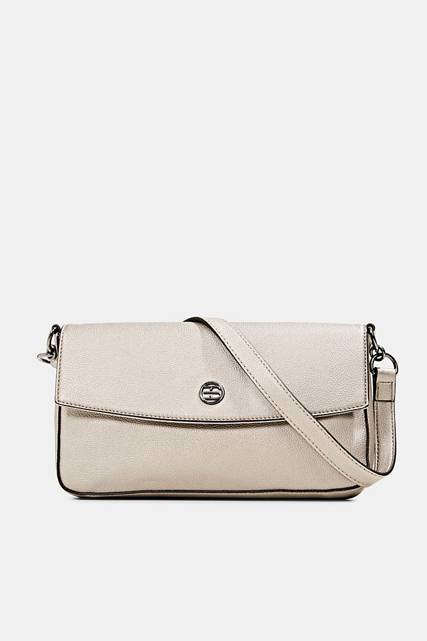 Shoulder bag in a metallic look