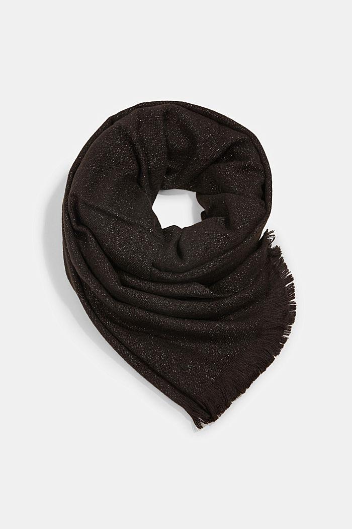Återvunnet material: sjal med glittergarn
