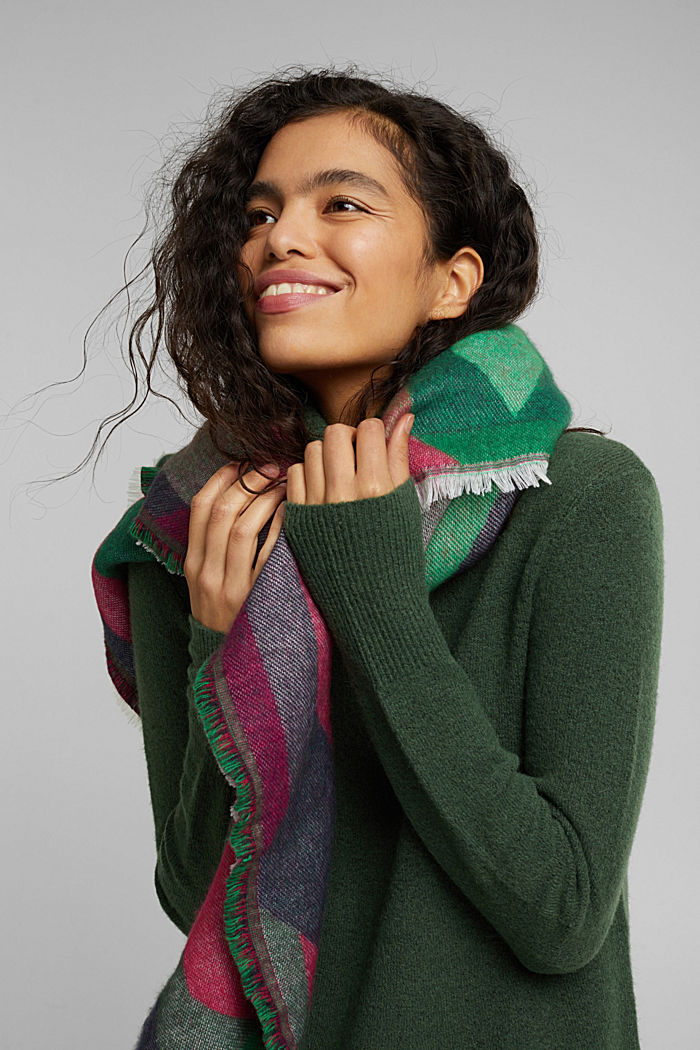 Recycled: patterned square scarf, DARK GREEN, detail image number 1